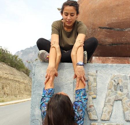 nuqanchik yanapay nosotras ayudando quechua